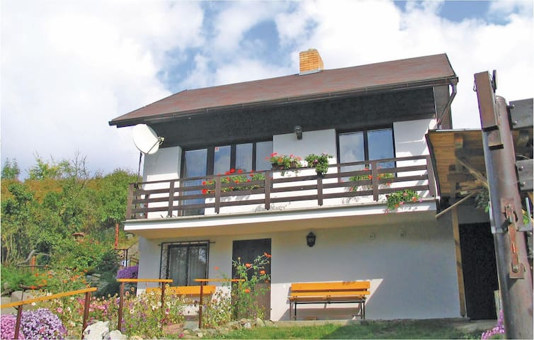 Holiday cottage with 2 bedrooms on 81m² in Netvorice