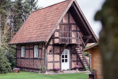 Charmanter Fachwerk-Treppenspeicher - Hus