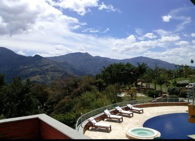 A PIECE OF PARADISE IN MEDELLIN - medellin  - Bed & Breakfast