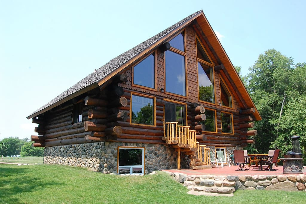 Beautiful log cabin on loon lake cabins for rent in for Cabins for rent in minnesota