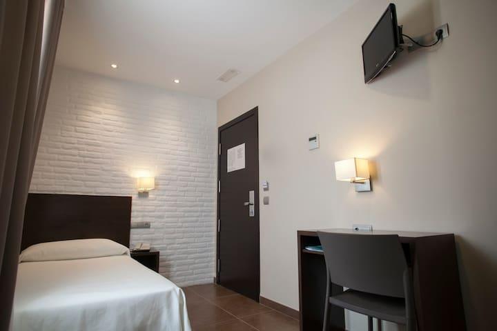 Habitación Individual | Hotel Restaurante El Corte
