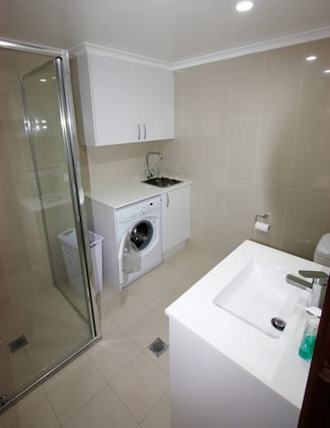 Lyneham Pines Apartment - Lyneham - Wohnung