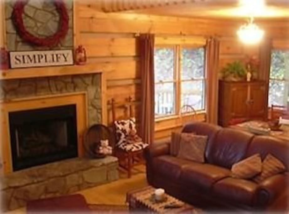 Cozy living room; fireplace w gas logs