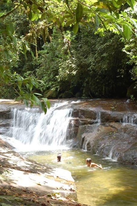 Cachoeira proximo 7 km da casa, na propriedade do IPEMA - Instituto de Permacultura
