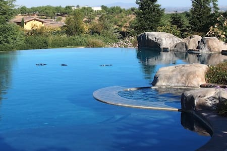 Huge 2 br 2 ba Guest House sleeps 6 - Paso Robles - Ház