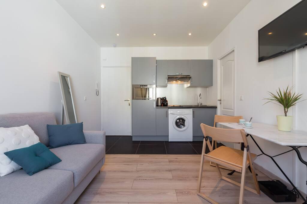 Beautiful and design 1 bedroom flat negresco area for Design appartement frankrijk