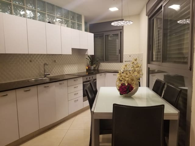 Modern Apartment In The Heart Of Jerusalem, Belz
