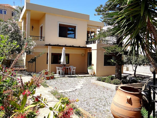 Apartment until 4 person - Daratsos - Flat