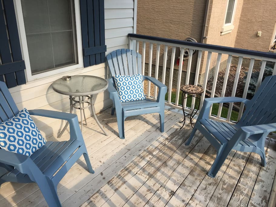 Front deck - Smoking permitted here