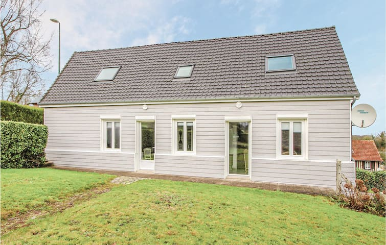 Holiday cottage with 2 bedrooms on 99m² in St Pierre Le Viger