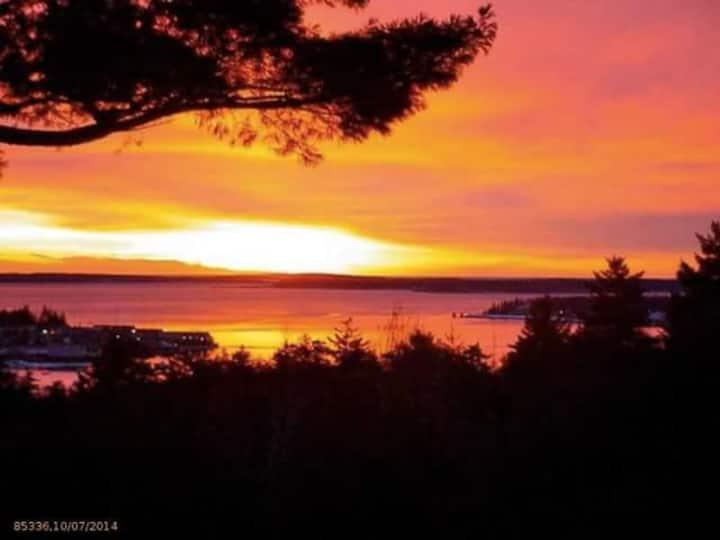 Island Watch - Harbor & mountain views, sleeps 14