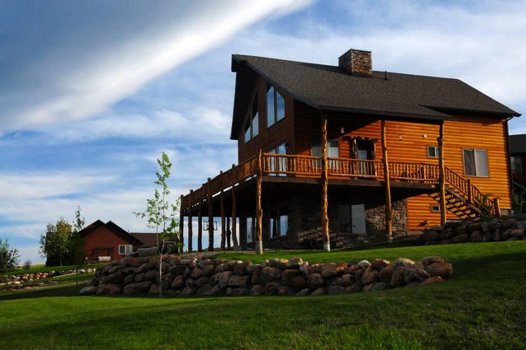 The Raspberry Bear Lake Lodge