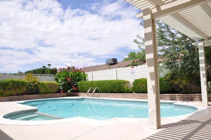 Stunning home close to strip/airprt - Las Vegas - Maison