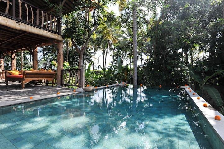 5BR Unique Eco Villa by Rice Field + Aircon + Pool