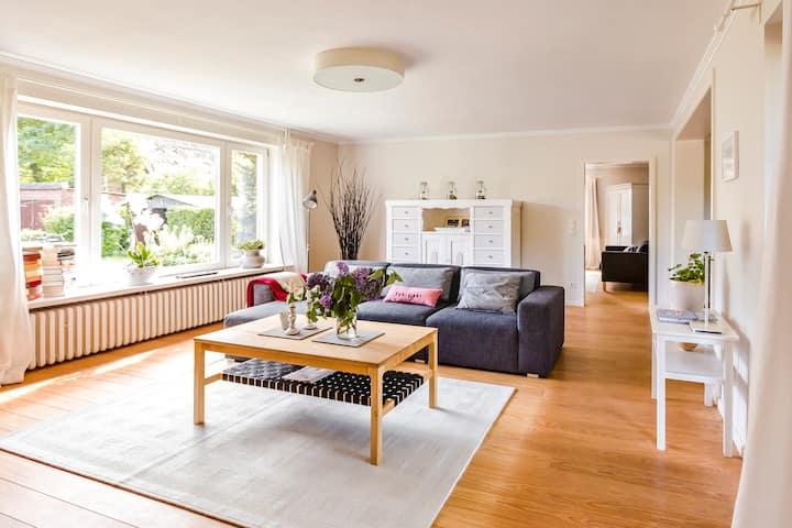 Komfortable, große Fewo mit Terrasse und Garten!