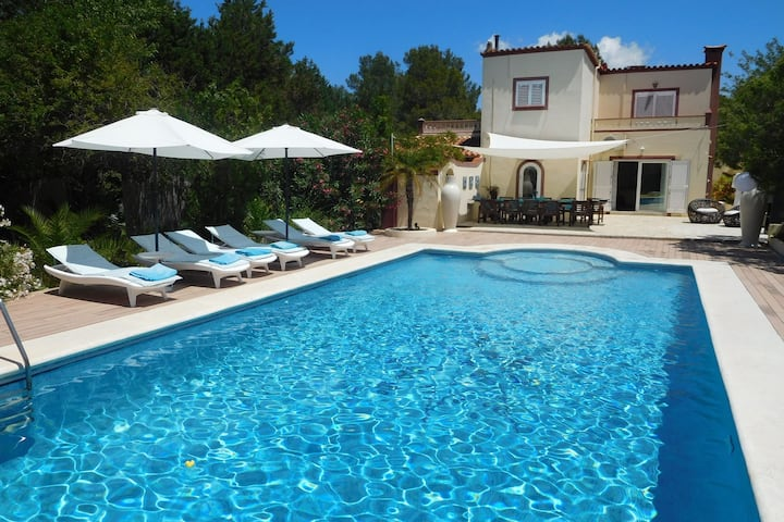 Lavish Mansion Only 20 minutes from Ibiza Town
