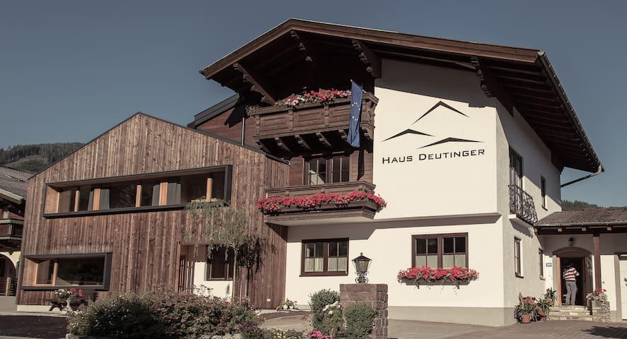 Haus Deutinger - (URL HIDDEN) - Flachau - Bed & Breakfast
