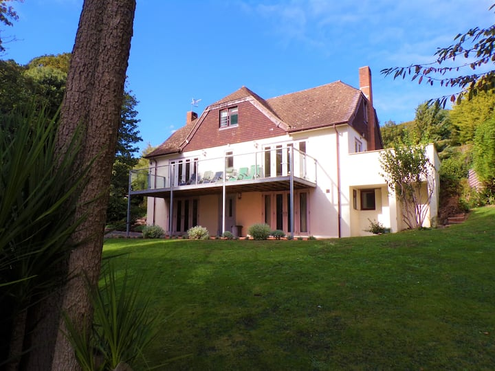 Charles Wood House - 30 % Discount for 6