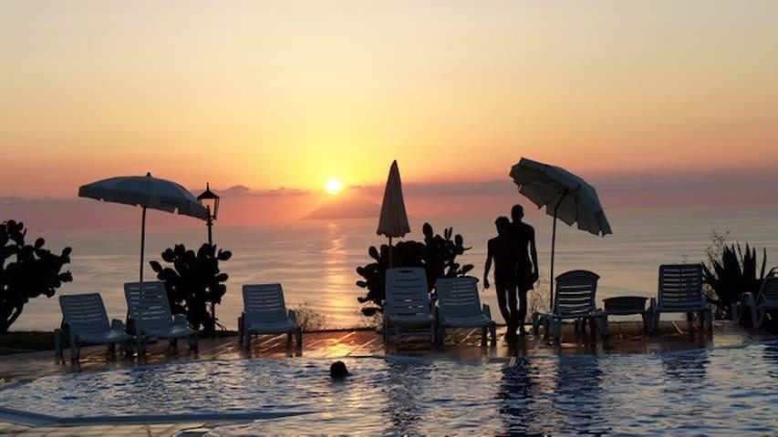Spectacular sea views and beaches, Marasusa B205 - Parghelia - Huoneisto