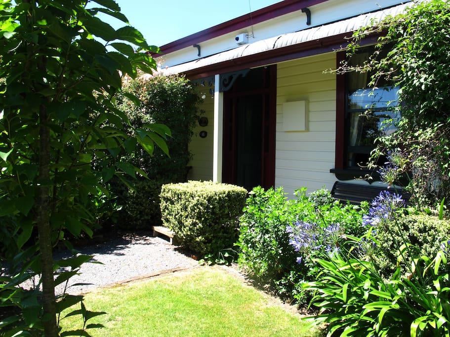 Villa in the vines martinborough maisons louer - La villa rahimona en nouvelle zelande ...