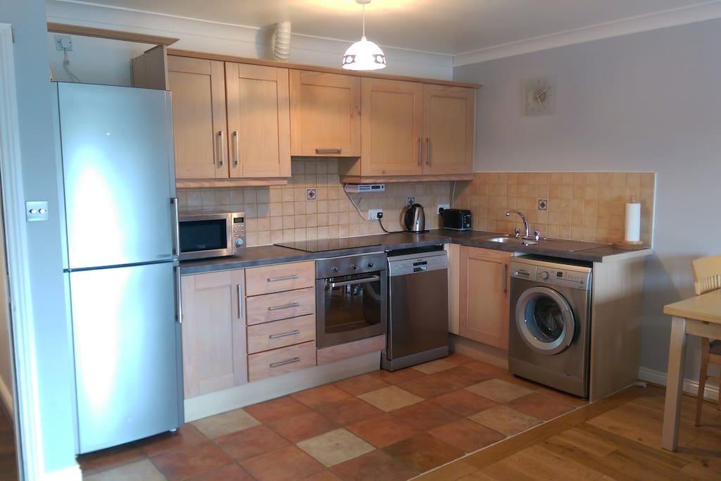 Kitchen area Dishwasher & Washing Machine