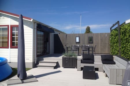 Holiday rental with swimming pool - Loosdrecht - Chalé