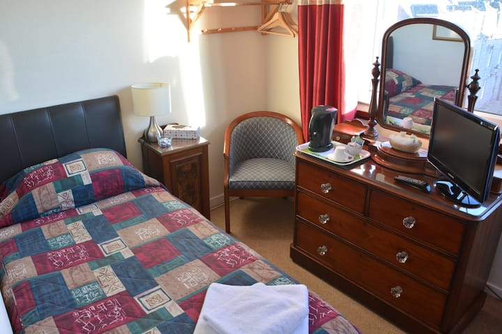 Single room with shared facilities