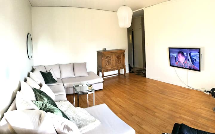 Cozy apartment in Gamla Enskede. 13 mins to city.