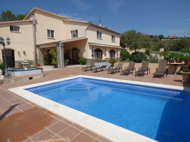 Allotjament Turístic Cal Mario - Canyelles - House
