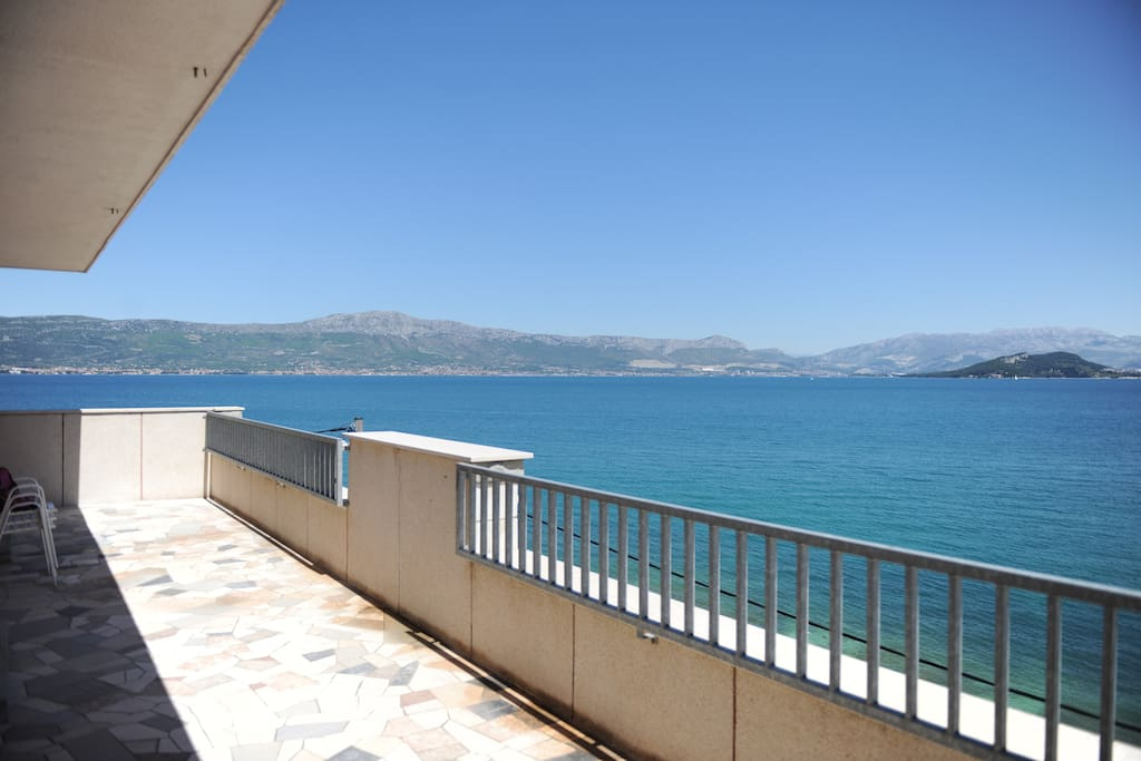 Big balcony(1) with beautiful sea view.