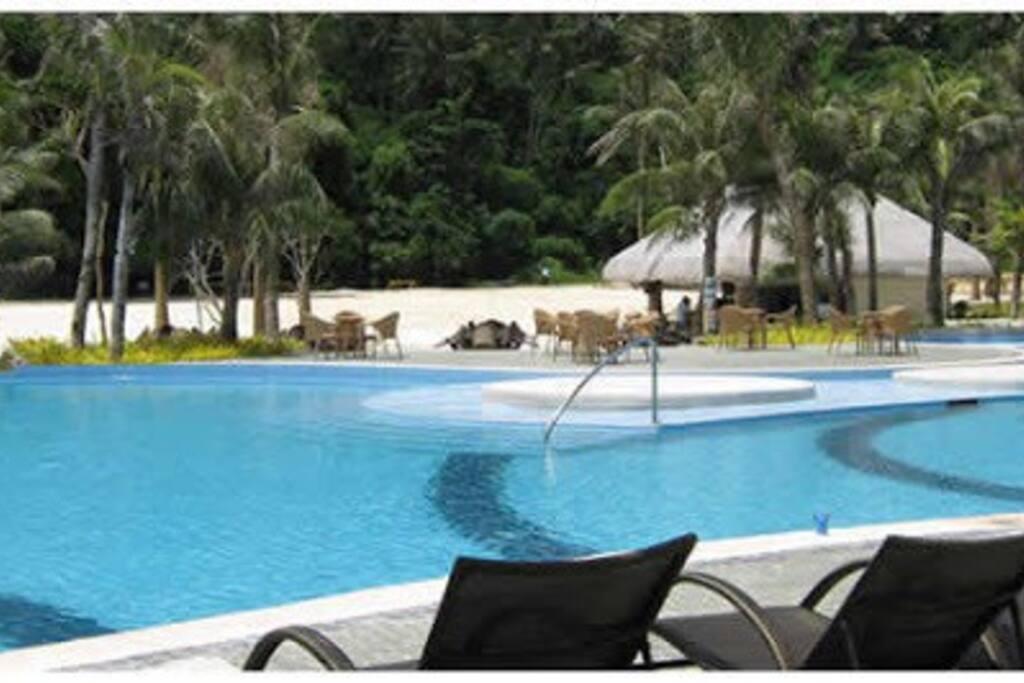 Biggest infinity pool in Boracay. (Infinity pool 2)