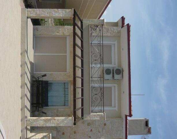 3 Bedroom Villa with Pool - Pefkohori - Casa