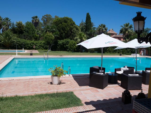 ANDALUCIAN HOUSE BY THE SEA &GOLF  - Marbella - House