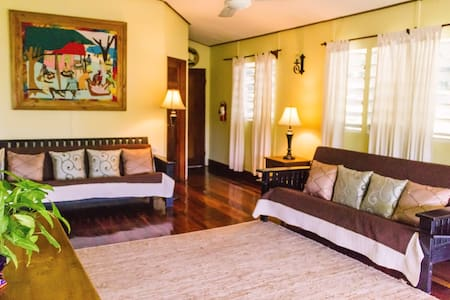 Charming Belize Butterfly Cottage - Chatka