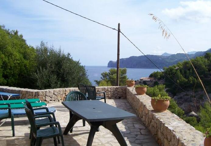 Cala Deia villa con vistas al mar. Wifi internet