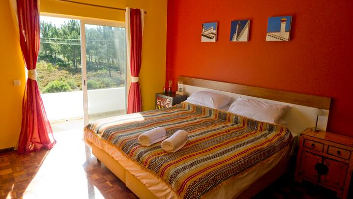Rent Holiday Villa Casa Rinsma in Vale da Telha, Algarve.   Micazu