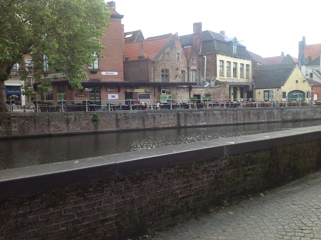 18th century Flemish townhouse - Brügge - Bed & Breakfast