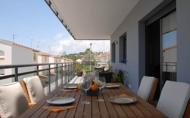 LUXURY SUNNY FLAT WITH TERRACE&POOL