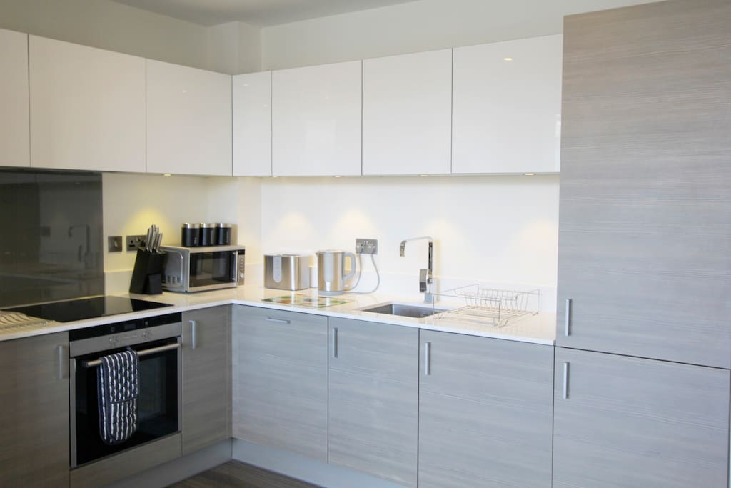 Brand new, fully equipped kitchen with state of the art appliances.
