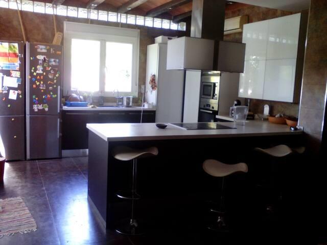 Casa con piscina en bormujos - Bormujos - Casa