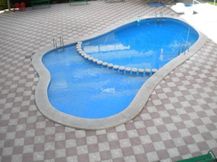 Urbanizacion con piscina y parking apartamentos en for Camping con piscina climatizada en comunidad valenciana