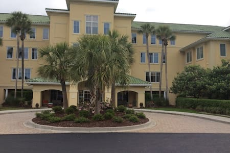 Five Star Villa at the Beach! - North Myrtle Beach