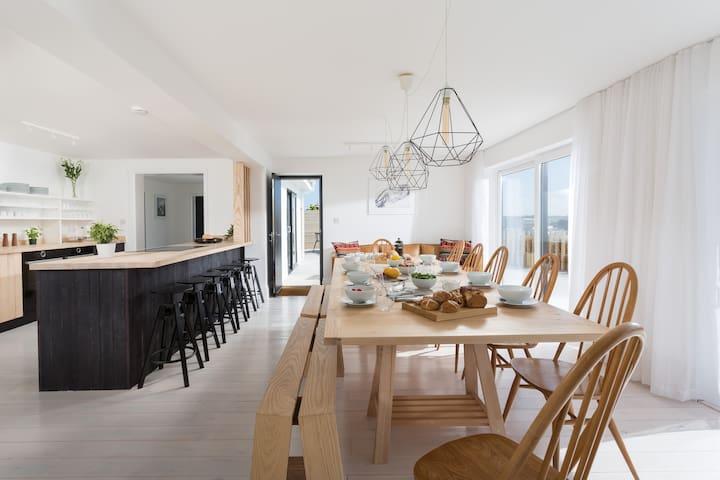 Ground floor kitchen & dining area