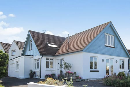 Spacious Beach House - Shoreham-by-Sea - Talo