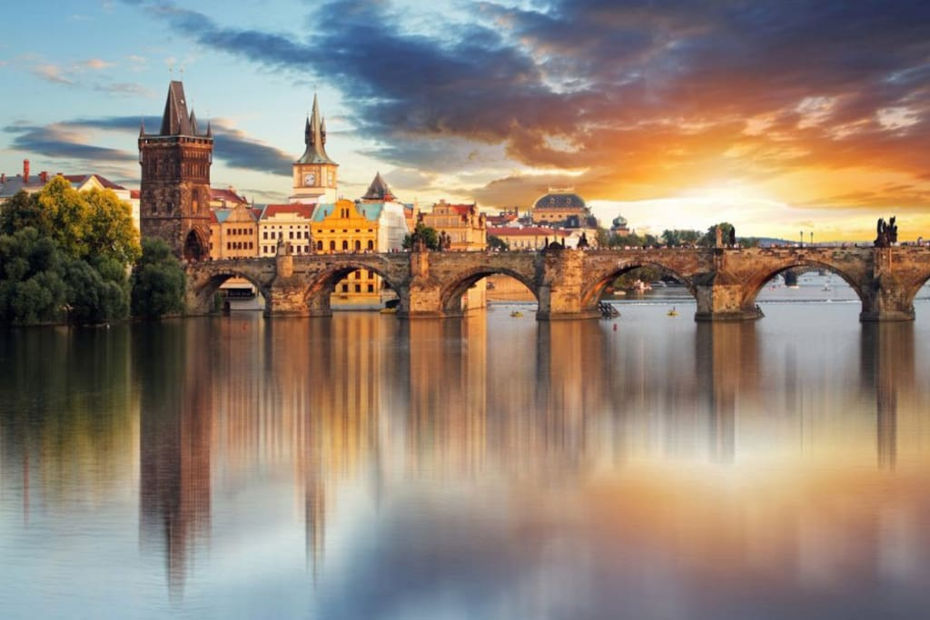 The BEST location! APT IN HISTORICAL CITY CENTER BY CHARLES BRIDGE