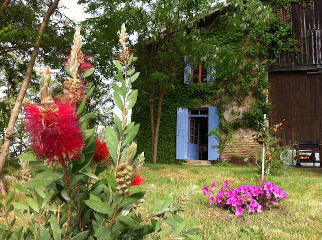 French countryside farm house - Senestis - Rumah