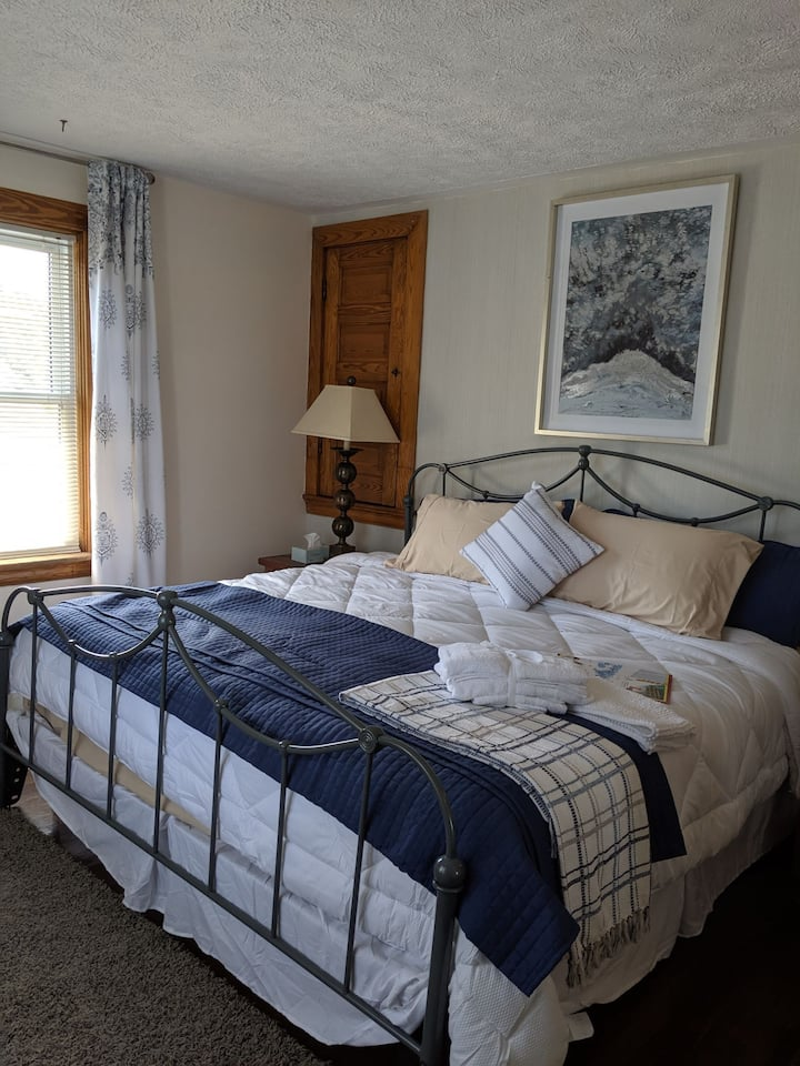 The Worthington House BnB ~ King Size Suite