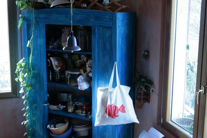 Casa Lo', casa d'artista - Mezzano Superiore - Huis