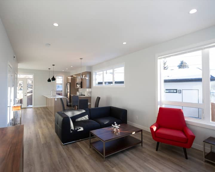 Corporate Stays | Oliver Townhouses | Spacious 3BR