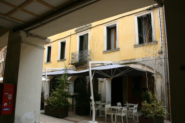 Alloggio Turistico Via Garibaldi (Il Corso)